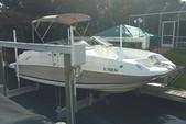 21 ft. Regal Boats 2100 Cruiser Boat Rental Fort Myers Image 4