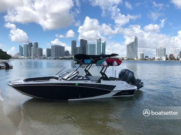 Rent a 2018 20 ft  Glastron Boats GT200 in Miami Beach, FL