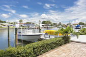 23 ft. Sea Fox 237 CC W/200 HP Center Console Boat Rental Tampa Image 2