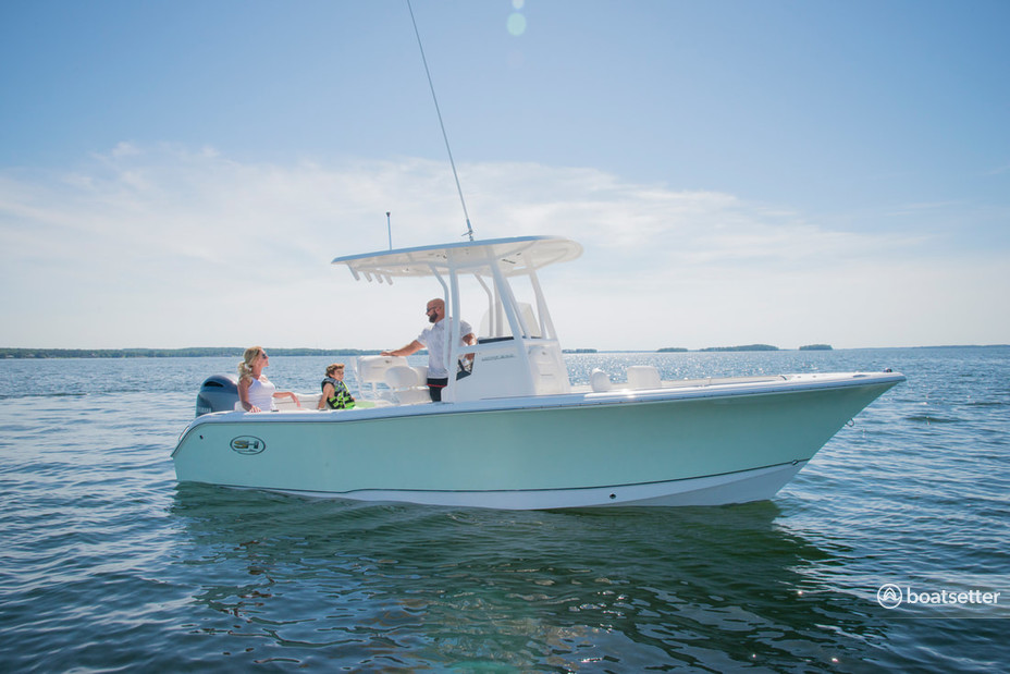 Rent a Sea Hunt Boats center console in Sarasota, FL near me