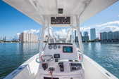 22 ft. NauticStar Boats 2200XS Offshore w/F200XB Center Console Boat Rental Miami Image 3