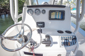 22 ft. NauticStar Boats 2200XS Offshore w/F200XB Center Console Boat Rental Miami Image 4
