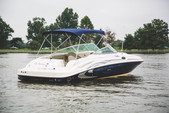 26 ft. Sea Ray Boats 270 Sundeck Bow Rider Boat Rental Washington DC Image 3