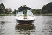 26 ft. Sea Ray Boats 270 Sundeck Bow Rider Boat Rental Washington DC Image 5