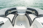 24 ft. Stingray Boats 234LR w/150 4-S Mercury Bow Rider Boat Rental Miami Image 8