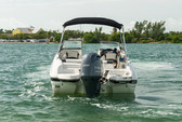 24 ft. Stingray Boats 234LR w/150 4-S Mercury Bow Rider Boat Rental Miami Image 4