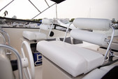 39 ft. Mainship 39 Express Express Cruiser Boat Rental Chicago Image 2