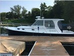 34 ft. Mainship 355 Pilot Sedan Center Console Boat Rental Dallas-Fort Worth Image 6