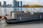 24 ft. Other 2486 Pontoon Boat Pontoon Boat Rental Miami Image 6