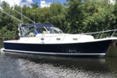 36 ft. Mainship 34 Pilot Downeast Boat Rental New York Image 1