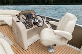 23 ft. Vectra Pontoon Cruiser Boat Rental Austin Image 2