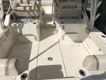 29 ft. World Cat Boats 295DC Dual Console w/2-250HP Dual Console Boat Rental Tampa Image 2