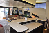 105 ft. Leopard Leopard Cruiser Boat Rental Miami Image 7
