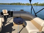 28 ft. Lexington 527 Pontoon Pontoon Boat Rental Miami Image 3