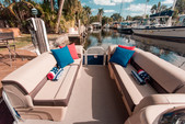 20 ft. Sun Tracker by Tracker Marine Party Barge 20 DLX w/90ELPT 4-S Pontoon Boat Rental Miami Image 5