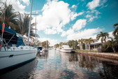 20 ft. Sun Tracker by Tracker Marine Party Barge 20 DLX w/90ELPT 4-S Pontoon Boat Rental Miami Image 11