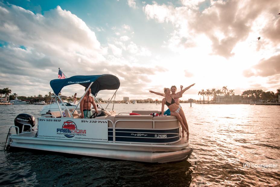 Rent a Sun Tracker by Tracker Marine pontoon in Fort Lauderdale, FL near me