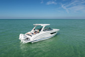 27 ft. Regal 27 RX FasDeck Volvo Bow Rider Boat Rental Miami Image 8