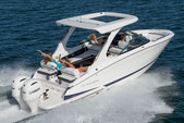 27 ft. Regal 27 RX FasDeck Volvo Bow Rider Boat Rental Miami Image 12