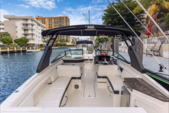 29 ft. Sea Ray Boats 290 Sundeck Cruiser Boat Rental Miami Image 2