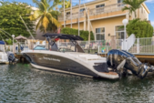 29 ft. Sea Ray Boats 290 Sundeck Cruiser Boat Rental Miami Image 5