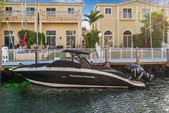 29 ft. Sea Ray Boats 290 Sundeck Cruiser Boat Rental Miami Image 8