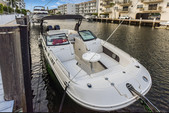 29 ft. Sea Ray Boats 290 Sundeck Cruiser Boat Rental Miami Image 10