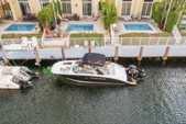 29 ft. Sea Ray Boats 290 Sundeck Cruiser Boat Rental Miami Image 13