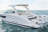 27 ft. Regal 27 RX FasDeck Volvo Bow Rider Boat Rental Miami Image 1
