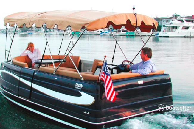 Rent a Duffy Electric Boats motor yacht in Seattle, WA near me