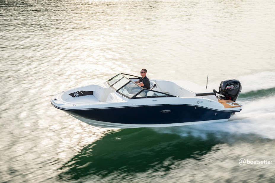 Rent a Sea Ray bow rider in Garland, TX near me