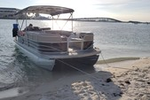 24 ft. Leisure Pontoons 2423 Navigator Deck Boat Boat Rental Miami Image 5
