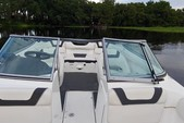 19 ft. Yamaha SX190  Cruiser Boat Rental Tampa Image 1