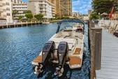 29 ft. Sea Ray Boats 290 Sundeck Bow Rider Boat Rental Miami Image 4