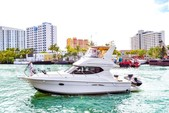 40 ft. 40' Silverton Flybridge with a Jetski Flybridge Boat Rental Miami Image 20