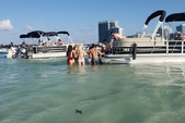 24 ft. Leisure Pontoons 2423 Navigator Deck Boat Boat Rental Miami Image 8