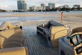 24 ft. Leisure Pontoons 2423 Navigator Deck Boat Boat Rental Miami Image 11