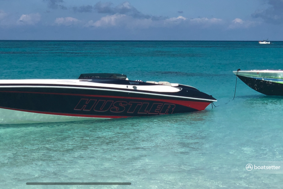 Rent a Hustler Powerboats performance in Miami Beach, FL near me