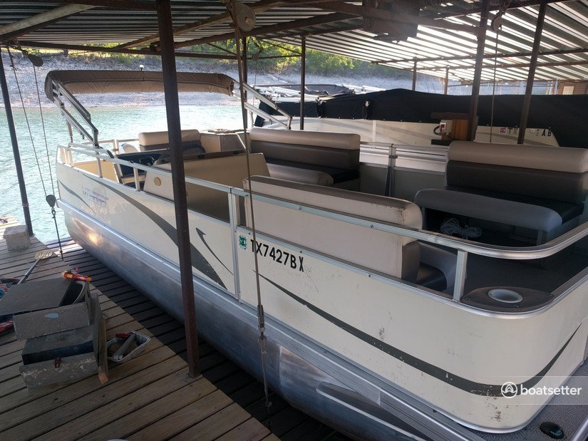 Rent a Voyager Marine pontoon in Spicewood, TX near me