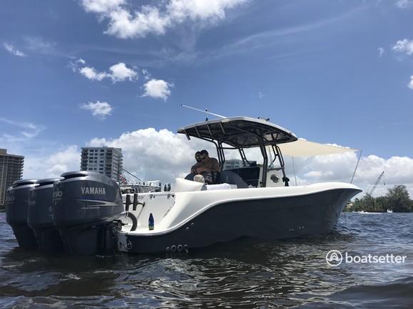 Rent a Hydrasports Boats center console in Deerfield Beach, FL near me
