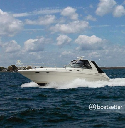 Rent a Sea Ray Boats motor yacht in Washington, DC near me