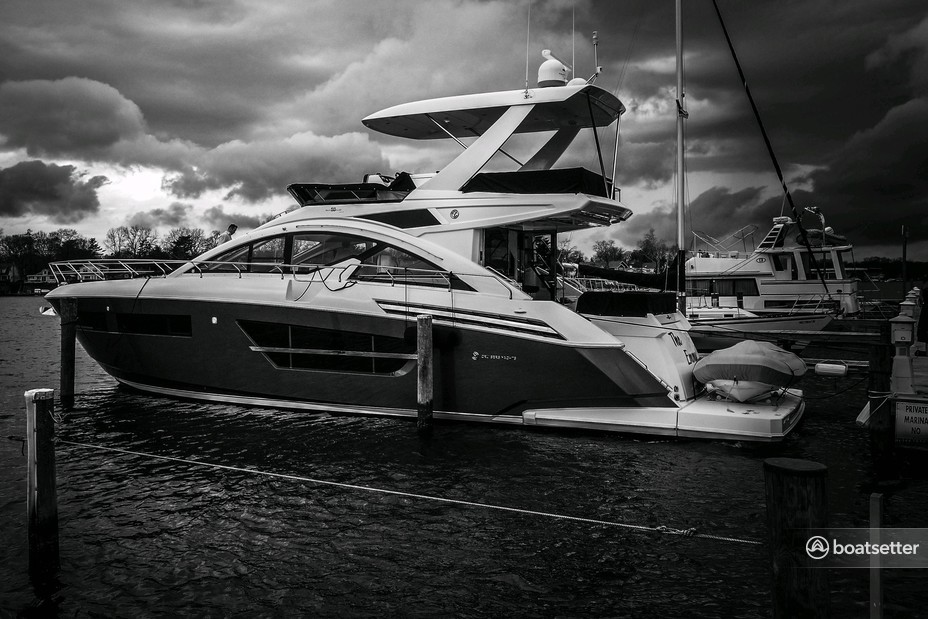 Rent a Cruisers Yachts cruiser in Arnold, MD near me