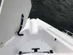 23 ft. Rinker Boats Q3 Bow Rider Boat Rental Miami Image 5