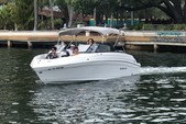 23 ft. Rinker Boats Q3 Bow Rider Boat Rental Miami Image 18