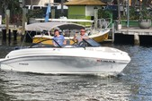 23 ft. Rinker Boats Q3 Bow Rider Boat Rental Miami Image 1