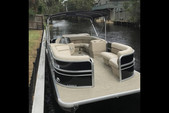 20 ft. Misty Harbor 2080CR Explorer Pontoon Boat Rental Orlando-Lakeland Image 6