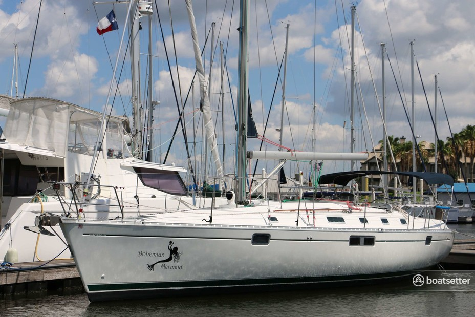 Rent a Beneteau USA sloop in Kemah, TX near me