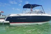 29 ft. Regal 2700 FasTrac Bow Rider Boat Rental Fort Myers Image 5