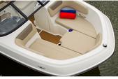 20 ft. Bayliner VR5 BR  Bow Rider Boat Rental Tampa Image 3