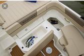 20 ft. Bayliner VR5 BR  Bow Rider Boat Rental Tampa Image 4